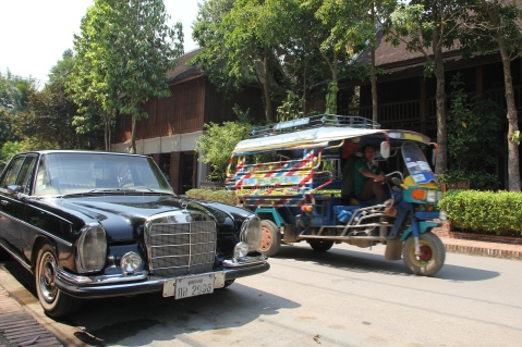 The two ways of transportation in Luang Prabang