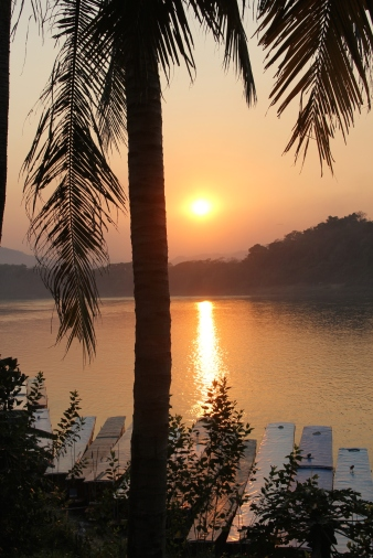 Bonus of the day: sunset over the Mekong